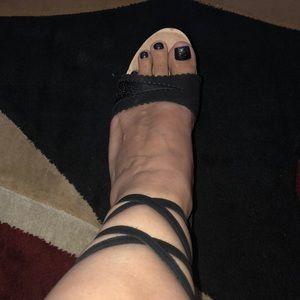 RICHARD TYLER Black gladiator high heels